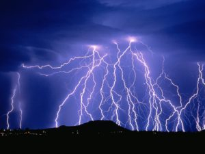 lightning-bolt-wallpaper-2